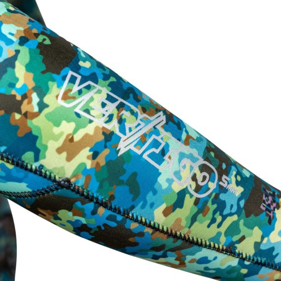 close-up-jbl-vertigo-camo-wetsuit-2pc-v2-10
