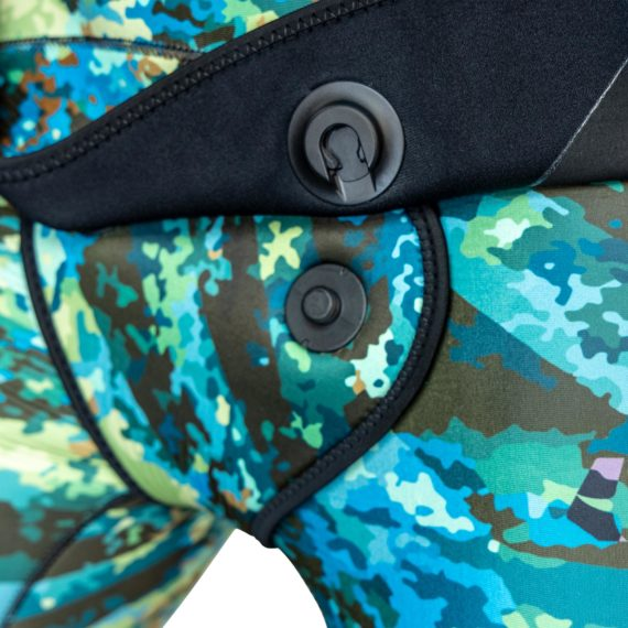 close-up-jbl-vertigo-camo-wetsuit-2pc-v2-12